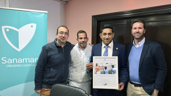 Firma del contrato de Cristobal y Sanamar Alimentación. Fundación Málaga Club de Fútbol.